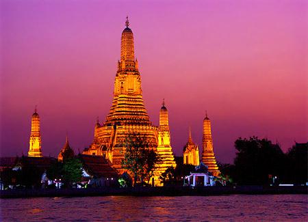 Wat Arun Rnrcyrnamhrwihar.jpeg